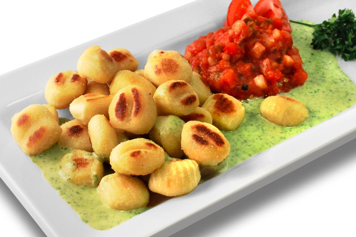 Gebratene Gnocchi mit Ratatouille und Basilikumsoße / 7,50 € p.P.