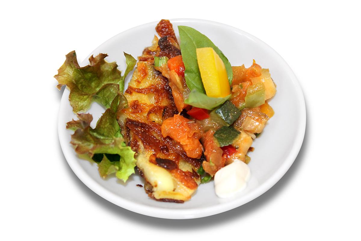Gemüsetatar auf Zucchini-Kartoffelrösti mit Kräutercreme / 2,10 € p.St.